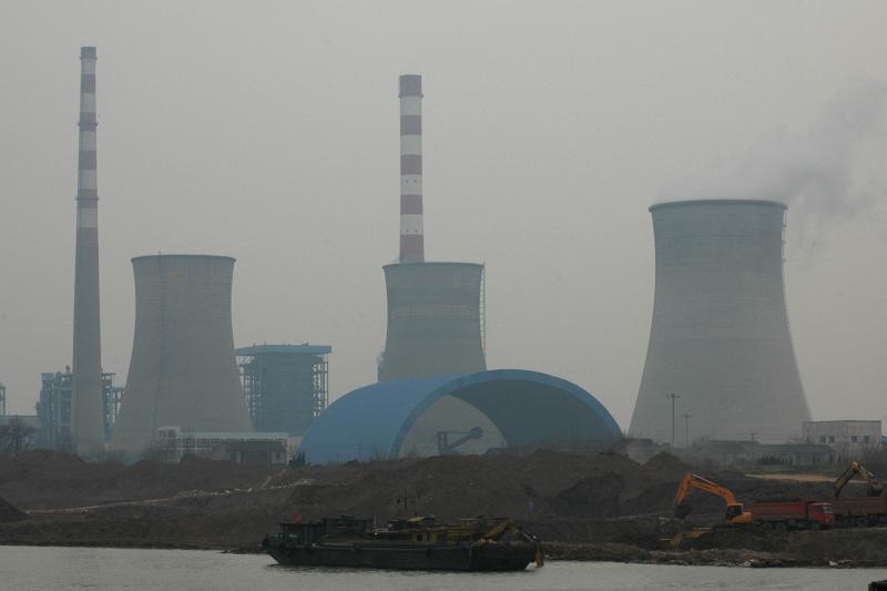 Yangzhou Power Plant No. 2 (2x 600MW coal-fired)-© Rogier Vermeulen