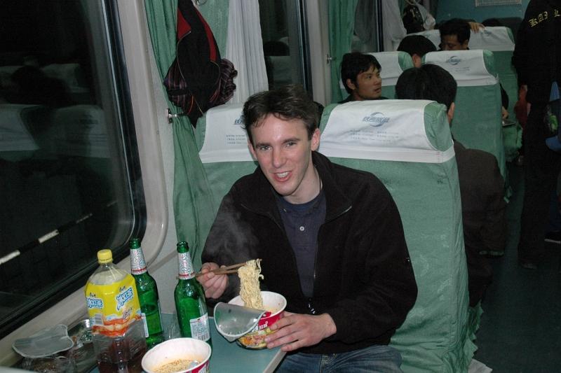 Enjoying noodles and beer-© Rogier Vermeulen